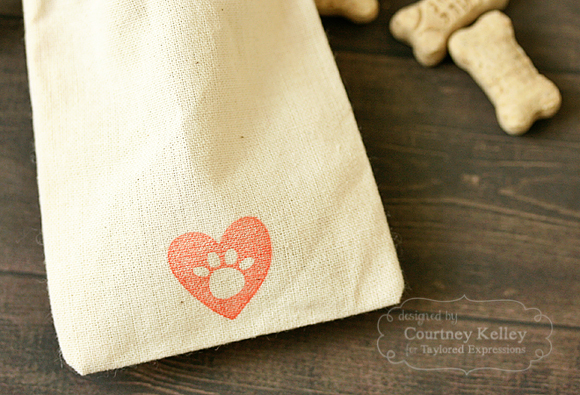 Courtney Kelley - Doggie Bag Detail