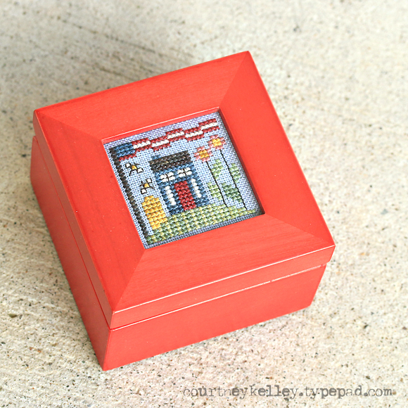 Courtney Kelley - Patriotic Box XStitch